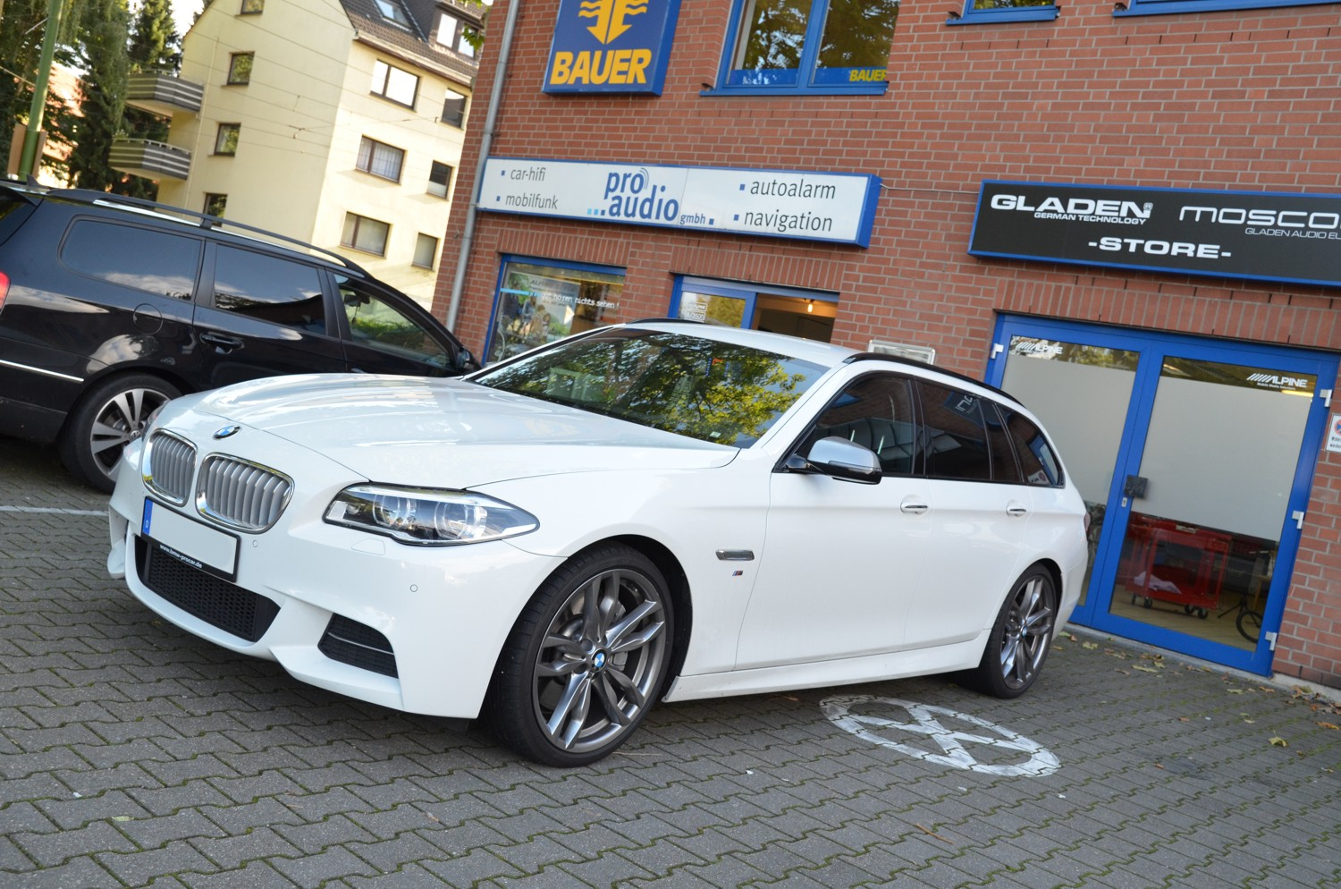 BMW F11 Hifi Audio Auto 02